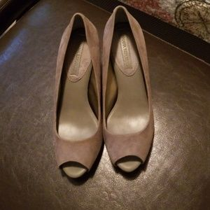 Banana republic Gray heels